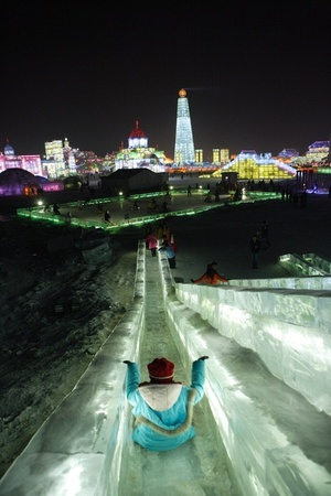 Otu_ice_tower_3_china